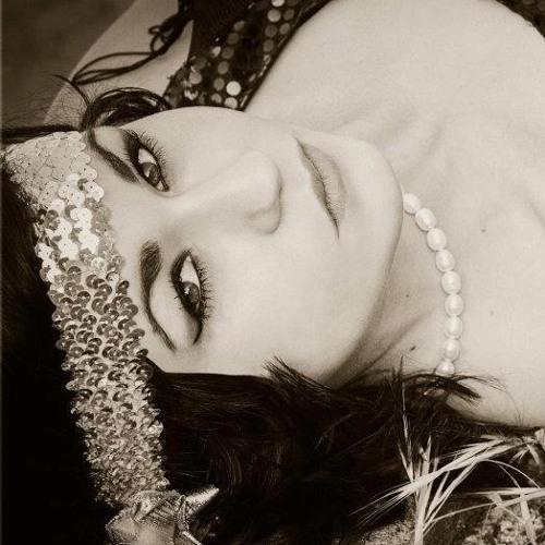 Roxy Nett's avatar