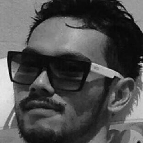 Tiago Hirata's avatar