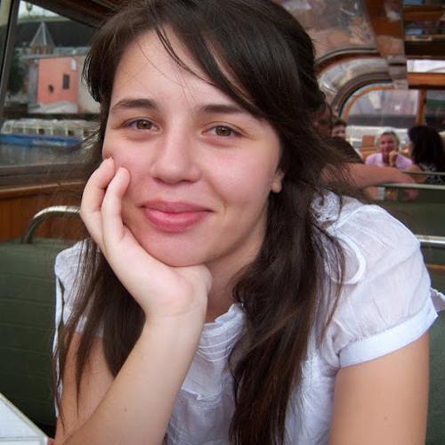 elle belle's avatar