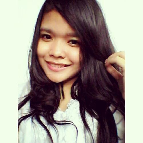 Julya Ulfah's avatar