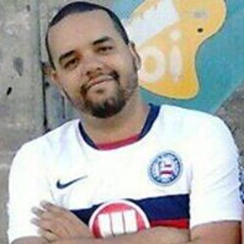Paulo Victor Machado's avatar