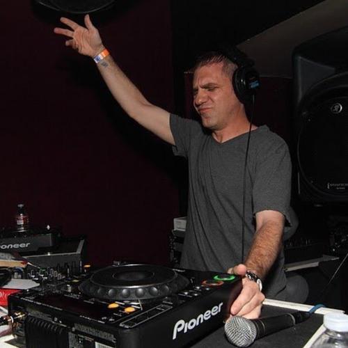 DJ JUSTIN GEORGE's avatar