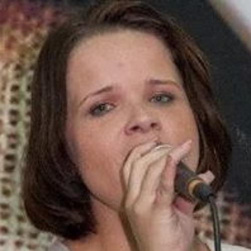 Kesia Toledo's avatar