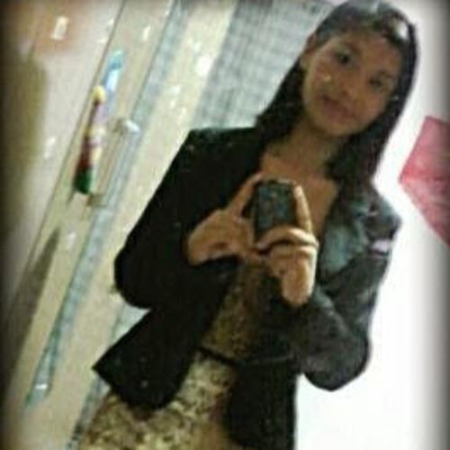 Karoline  Souza's avatar