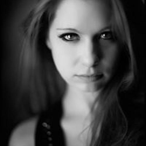 Laura Zuker's avatar