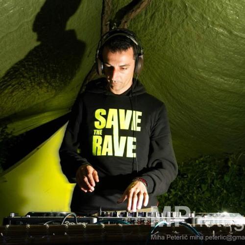 Raver SaveTheRave's avatar