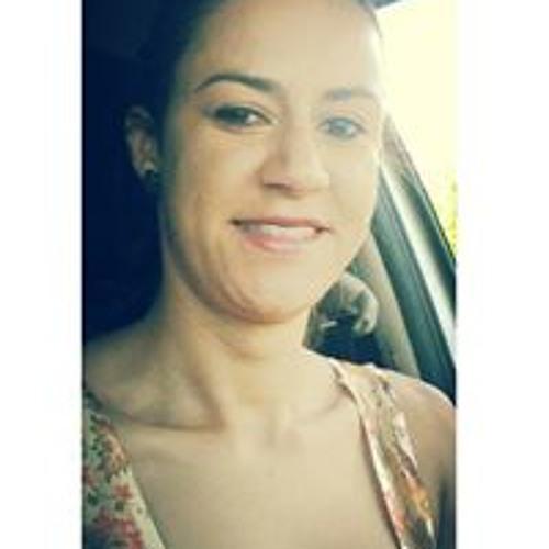 Daia Souza's avatar