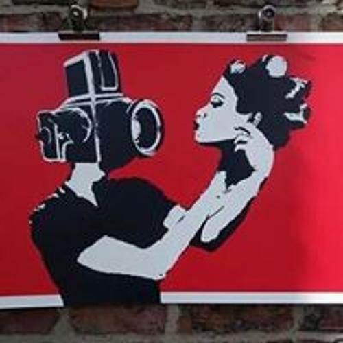 Juliana Ribeiro's avatar