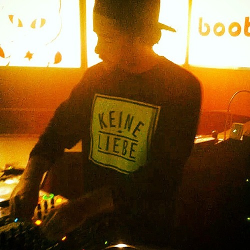 DJ Intron's avatar