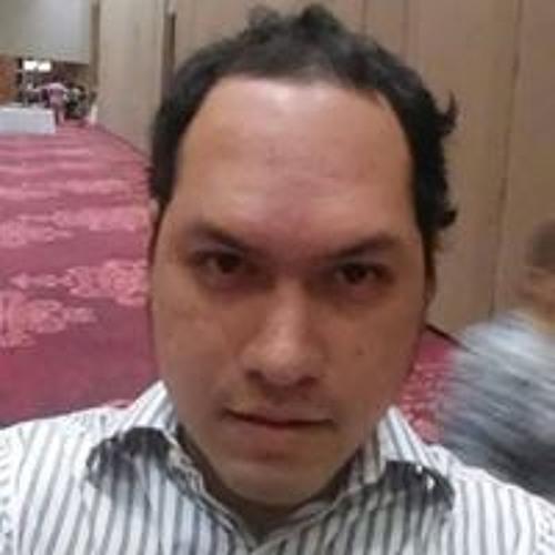 Makio Andres Chang's avatar