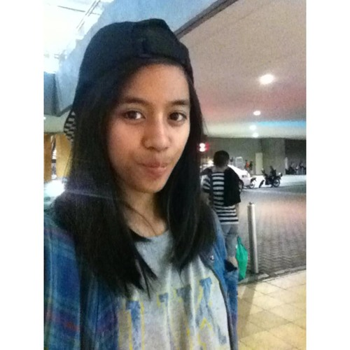 Martina Manlangit's avatar