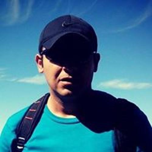 Miguel Mtz's avatar