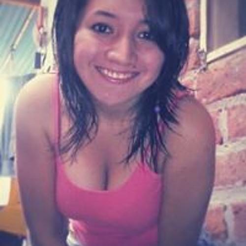 Mirella Flores's avatar