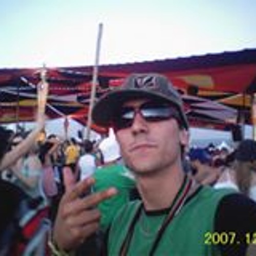Victor Torres's avatar