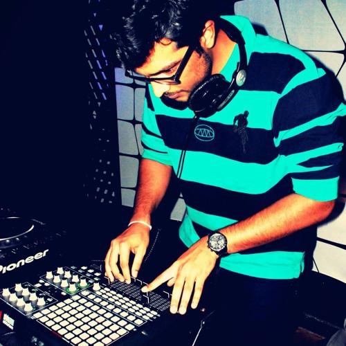 nikhil bhanu's avatar