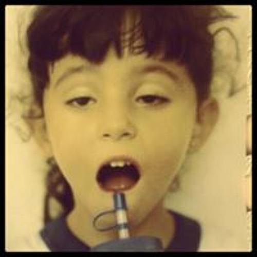 Maria Clara Mello's avatar