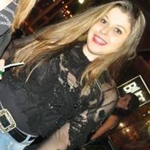 Pâmella Queiroz's avatar