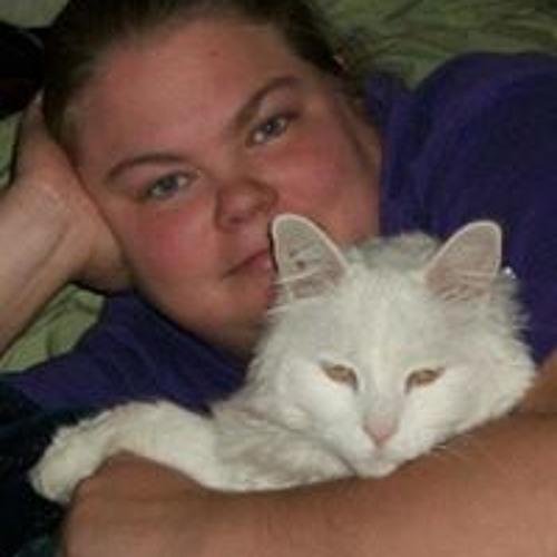 Julie Canamera's avatar