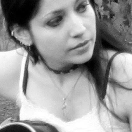 Aline Castanhari's avatar