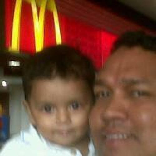 Samuel Valenzuela's avatar