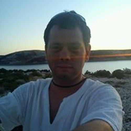 Patrik Tlcina's avatar