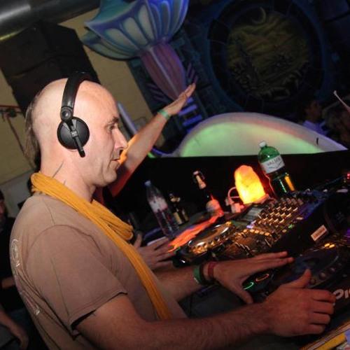 DJ_Heinz / Bi-Molecular's avatar