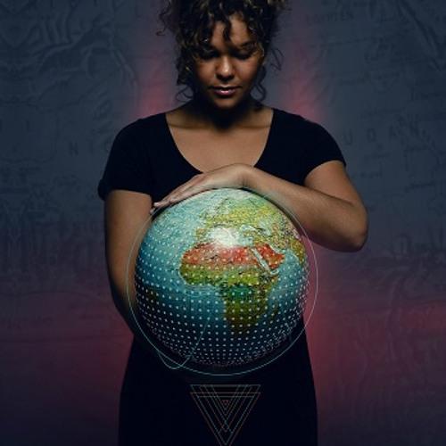 Mona Roukachi's avatar