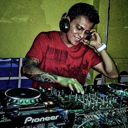DJ Geovanni Venegas's avatar