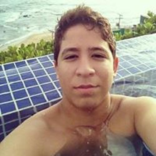 Gabriel Monteiro's avatar