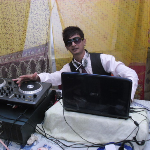 DjVisham Soondur's avatar