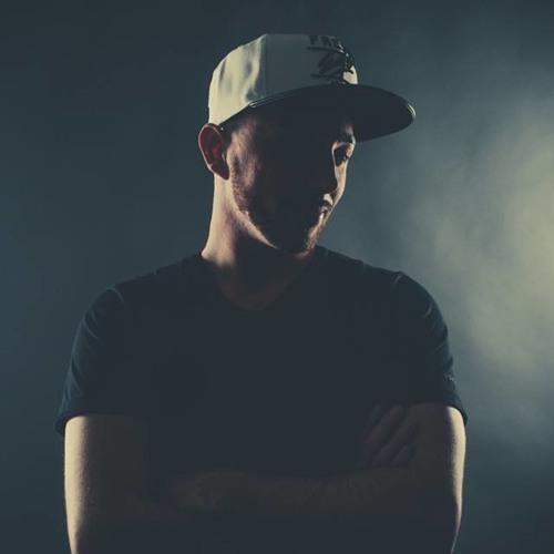 DJBarney's avatar