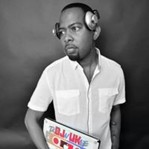 Djuk Brown's avatar