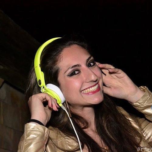 Priscila Roman's avatar