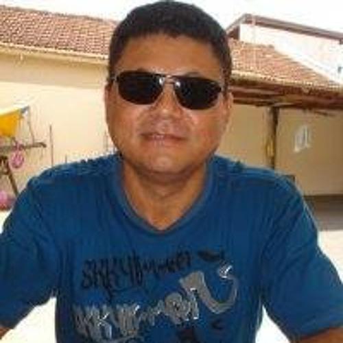 Cláudio Duarte's avatar