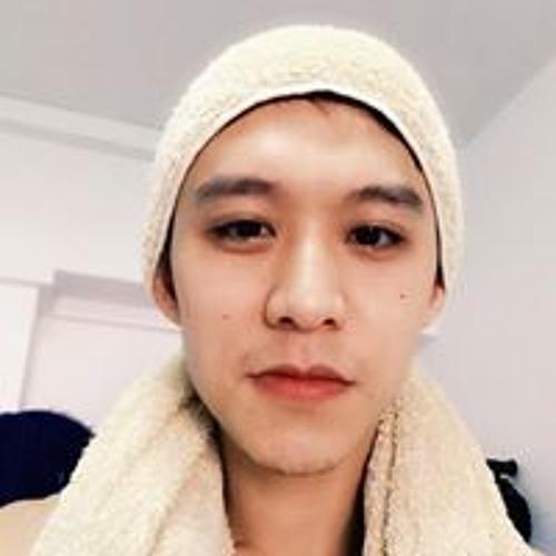 Daniel Ding's avatar