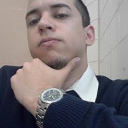 Daniel Oliveira's avatar