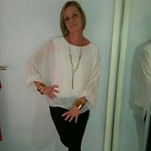 Maz Moore's avatar