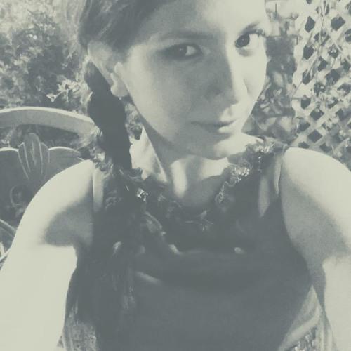 Valeria Urizar's avatar