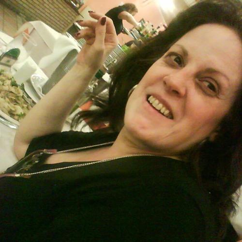 Flavia Gimarães's avatar
