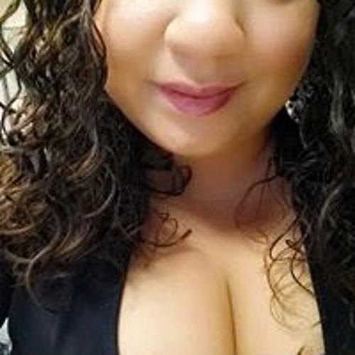 Anya Castillo's avatar