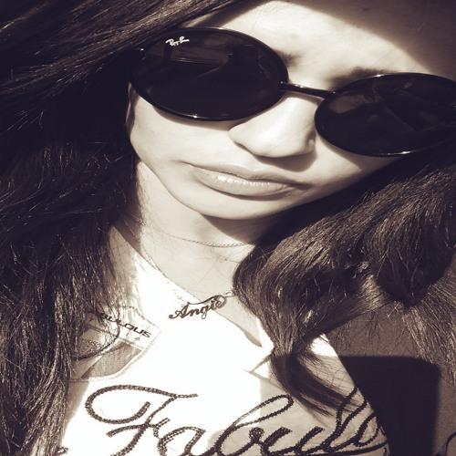 ann Gie's avatar