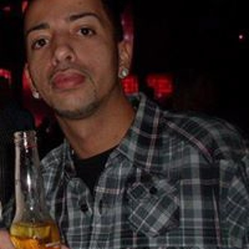Isaac Nieves's avatar