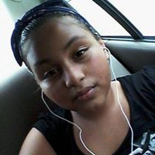 Vanessa Yarelin's avatar