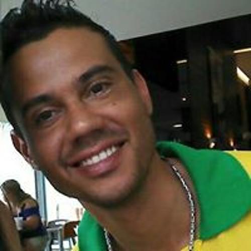Eduardo Monteiro's avatar