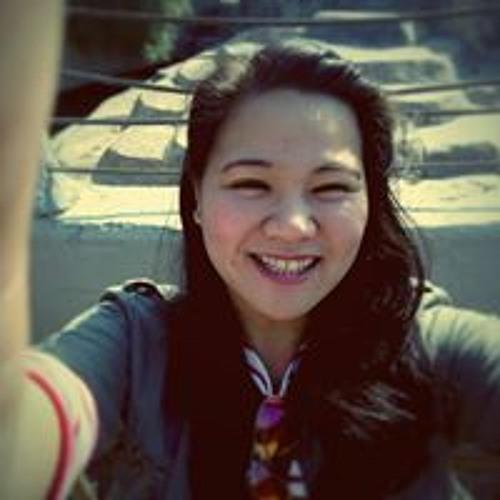 April Gee's avatar