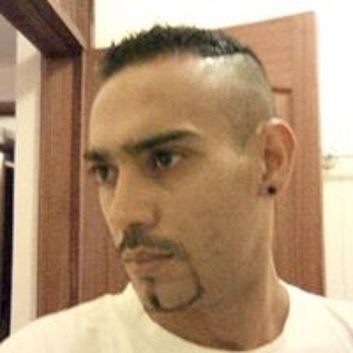 Yaseer Iqbal's avatar