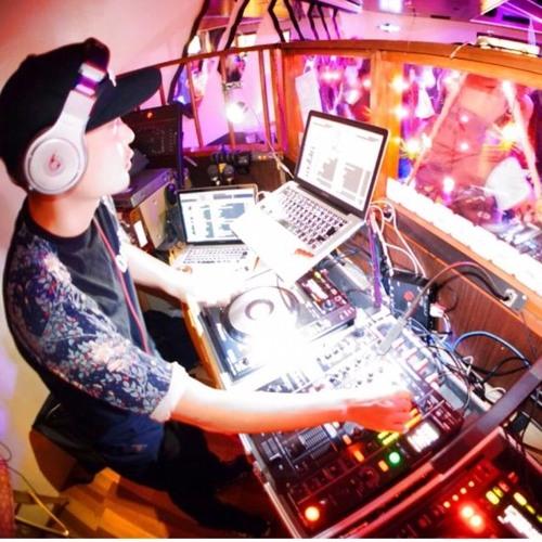 DJ Yuma's avatar