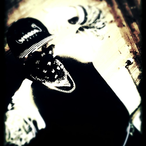 YoungHustla's avatar