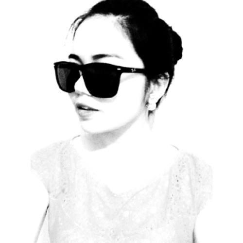 Andrea Magadia's avatar