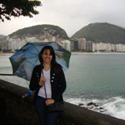 Caroline Tortato's avatar